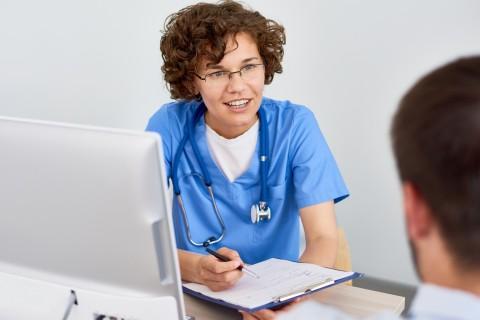 Pachet Medicina Interna Medic Primar (Consultatie+EKG+Analize+controale ulterioare)