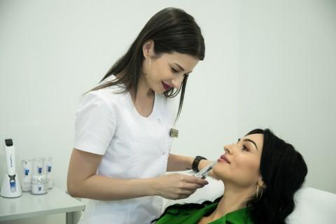Injectare Botox pentru Subțierea Feței